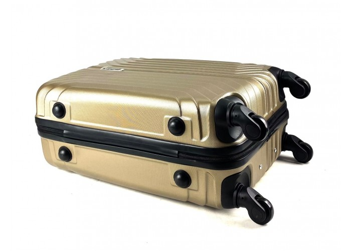 Пластиковый чемодан Рифленый 2